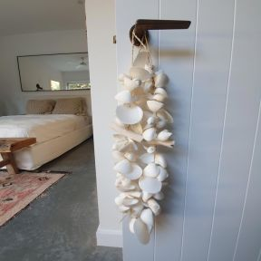 FP Collection White Shell Garland