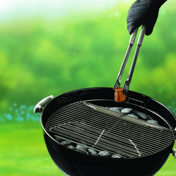 Weber® 57 cm Cooking Grill   Hinged  77924074011