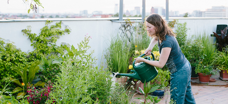 15 small garden space savers